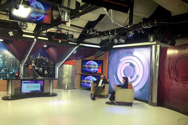 """Entrevista en el """"Late Night"""" Postdata, con Juan Carlos Arana, en Cadena A TV."""
