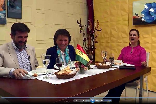 Entrevistados en directo por Casimira Lema en su 'Magazine' Casimira en Familia, en TVU.