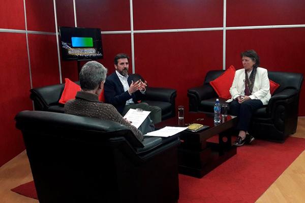Entrevista en directo en El hombre Invisible por Eduardo Pérez (SJ), en Fides TV.