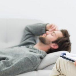 ¿Qué debe tener en cuenta el psicólogo para ayudar al paciente?
