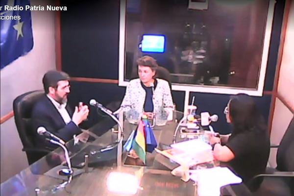 Entrevista en directo con Javier Villalobos, en Radio Illimani, Radio Nacional de Bolivia.
