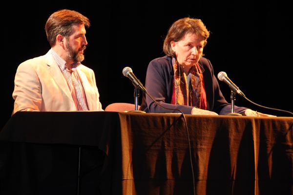 Conferencia en el Centro Cultural de España en Santiago de Chile.