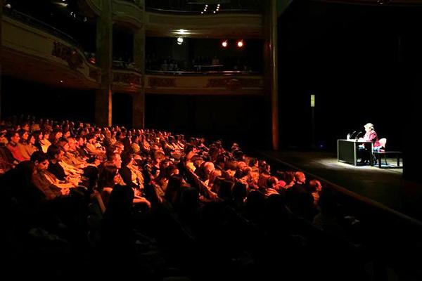 Conferencia en el Círculo de Bellas Artes de Madrid, España.